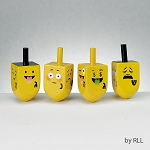 Spinngi Emogi Dreidels Set of 4